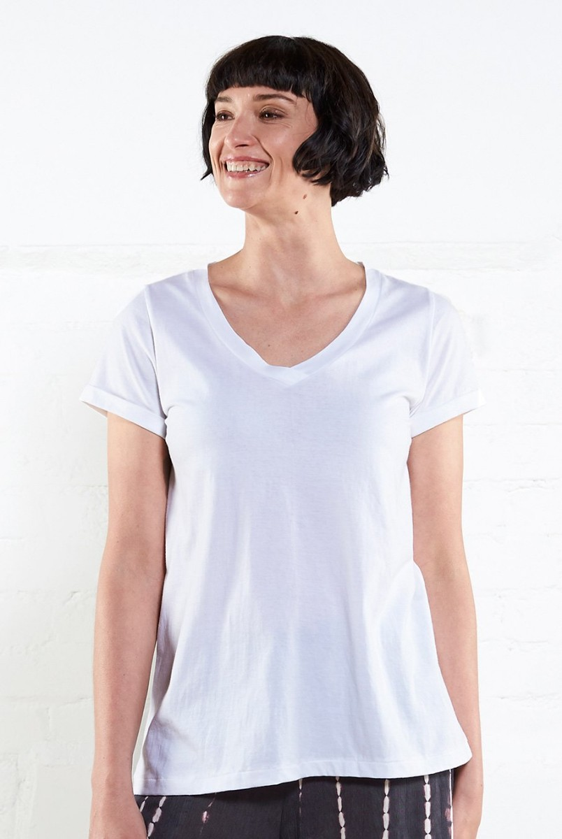 9343adfab004 Nomads V Neck T Shirt - White - Flagship Boutique