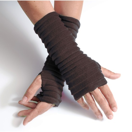 Anna Falcke Wristee Wrist Warmers - Chocolate Brown