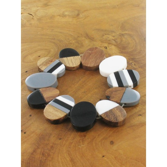 Suzie Blue JP1907BW Elasticated Resin & Wood Oval Bracelet